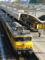 Elektrisch/37695/lok-1774-mit-intercity-aus-venlo Lok 1774 mit Intercity aus Venlo fotografiert in Rotterdam Centraal Station am 28-10-2009.