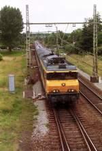 was-es-bald-nicht-mehr-gibt/38718/1634-mit-intrcity-nach-eindhoven-fotografiert 1634 mit Intrcity nach Eindhoven fotografiert in Boxtel am 25-06-1993.
